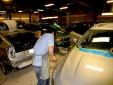 Skilled technician at Wreck and Roll Auto Body in Chicago